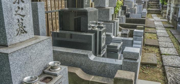 墓石の種類と価格の相場は?